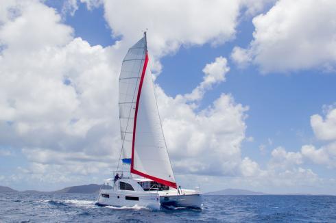 Sunsail 404 catamaran sous voile